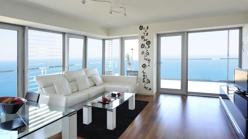 Czy warto kupić mieszkanie nad morzem?