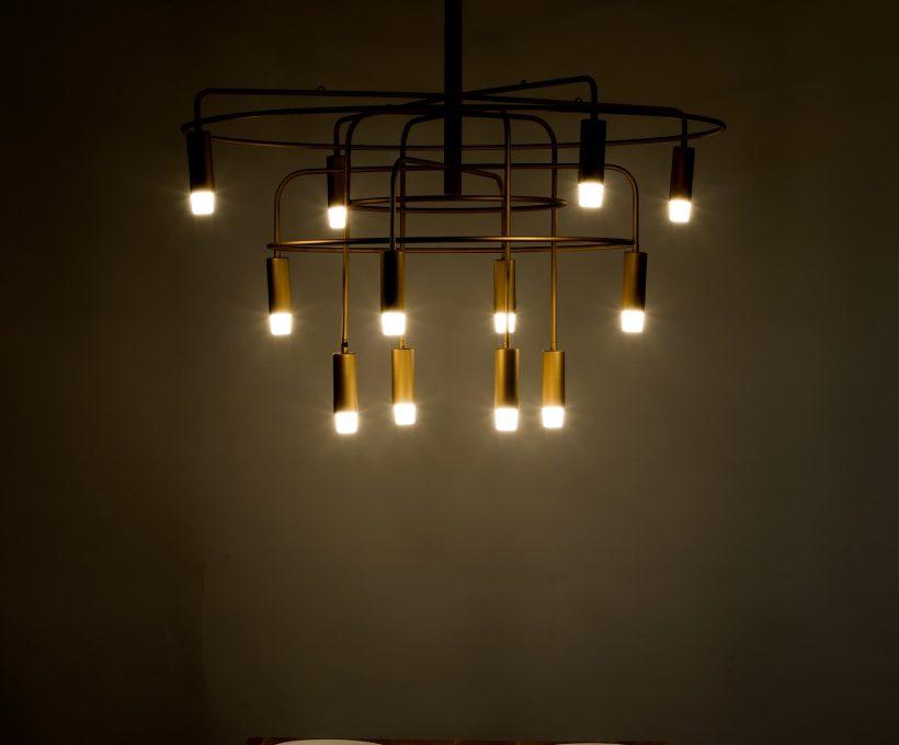 Lampy wiszące do sypialni. Stwórz niepowtarzalny klimat we wnętrzu